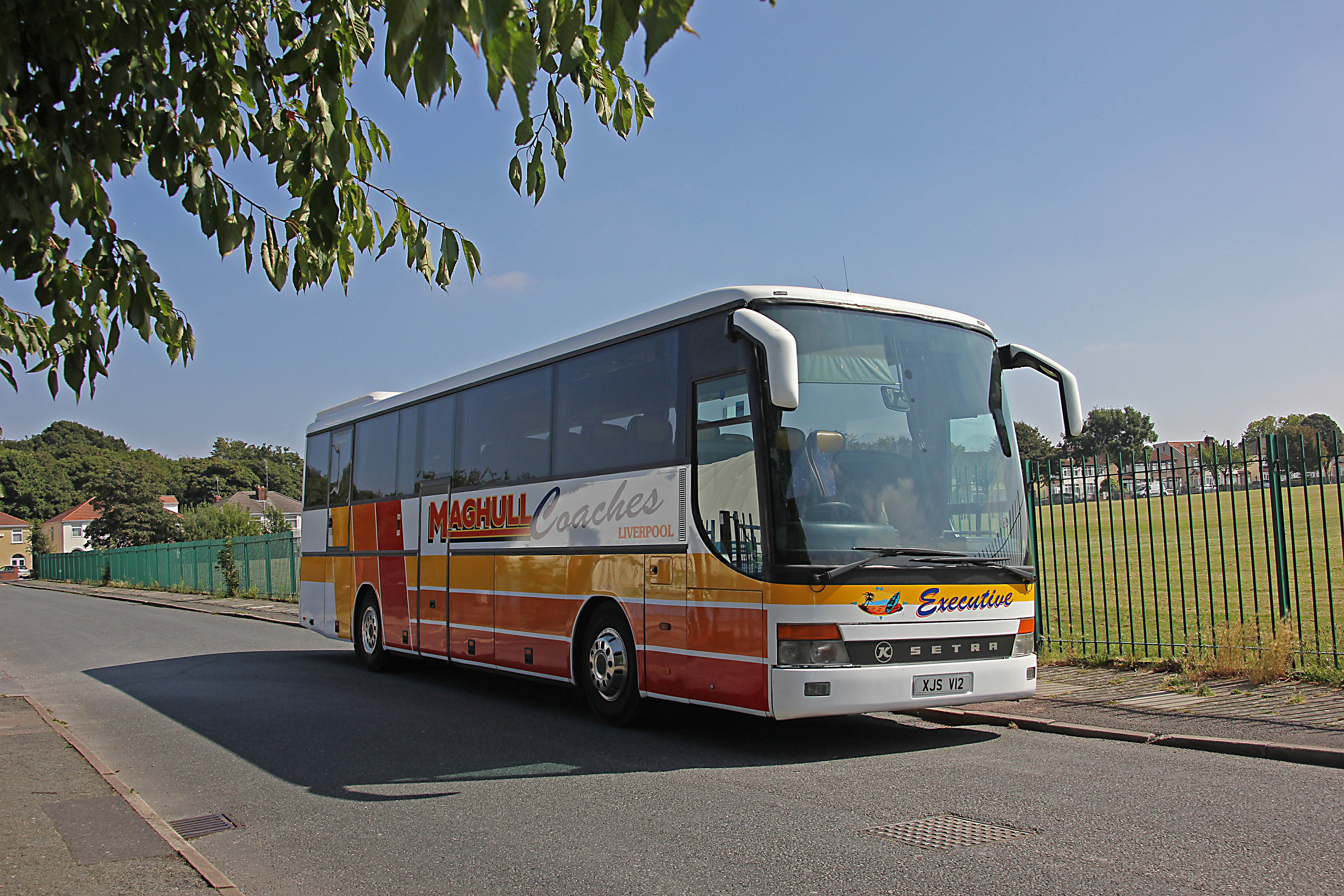 maghull coach hire